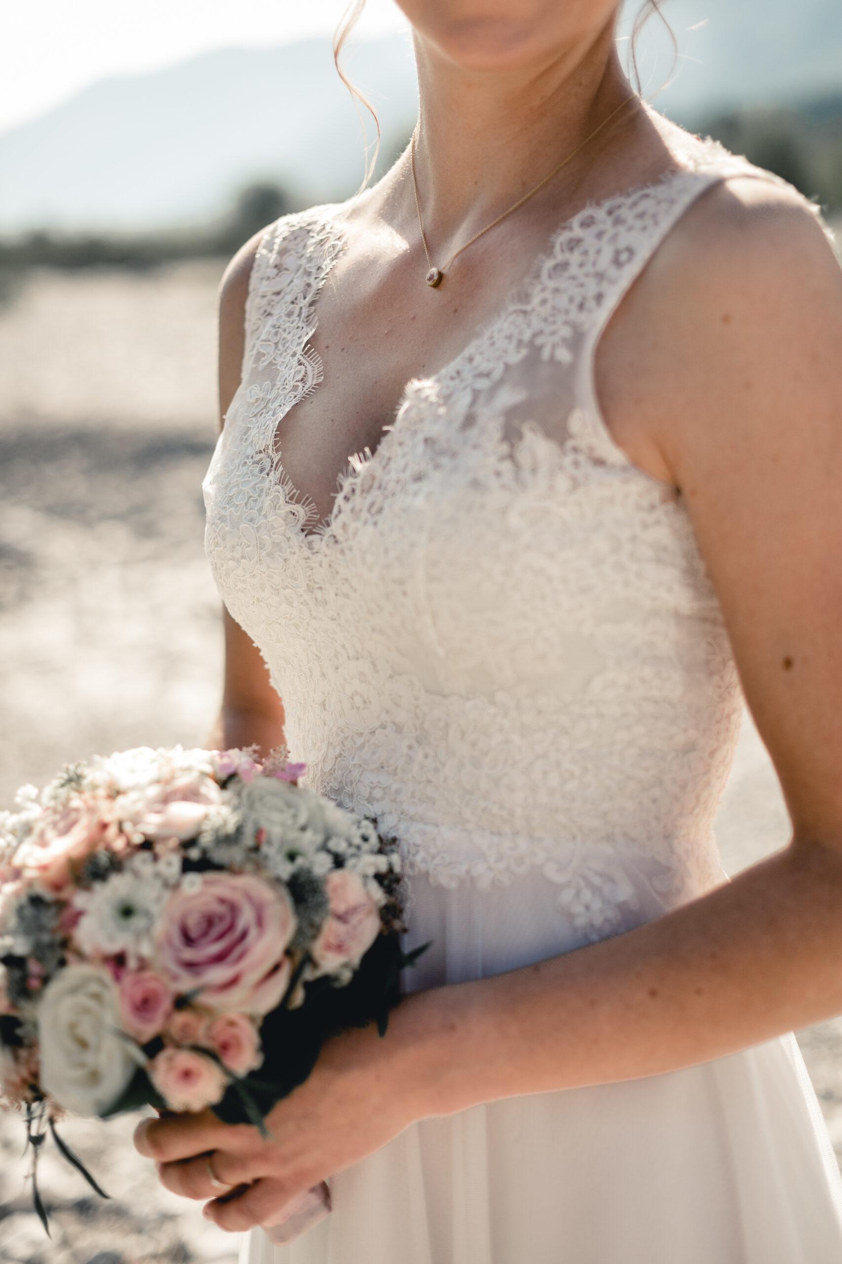 HeimArt Design Brautkleid Brautstrauß Braut Vintage Hochzeit Papeterie Kirschblüten