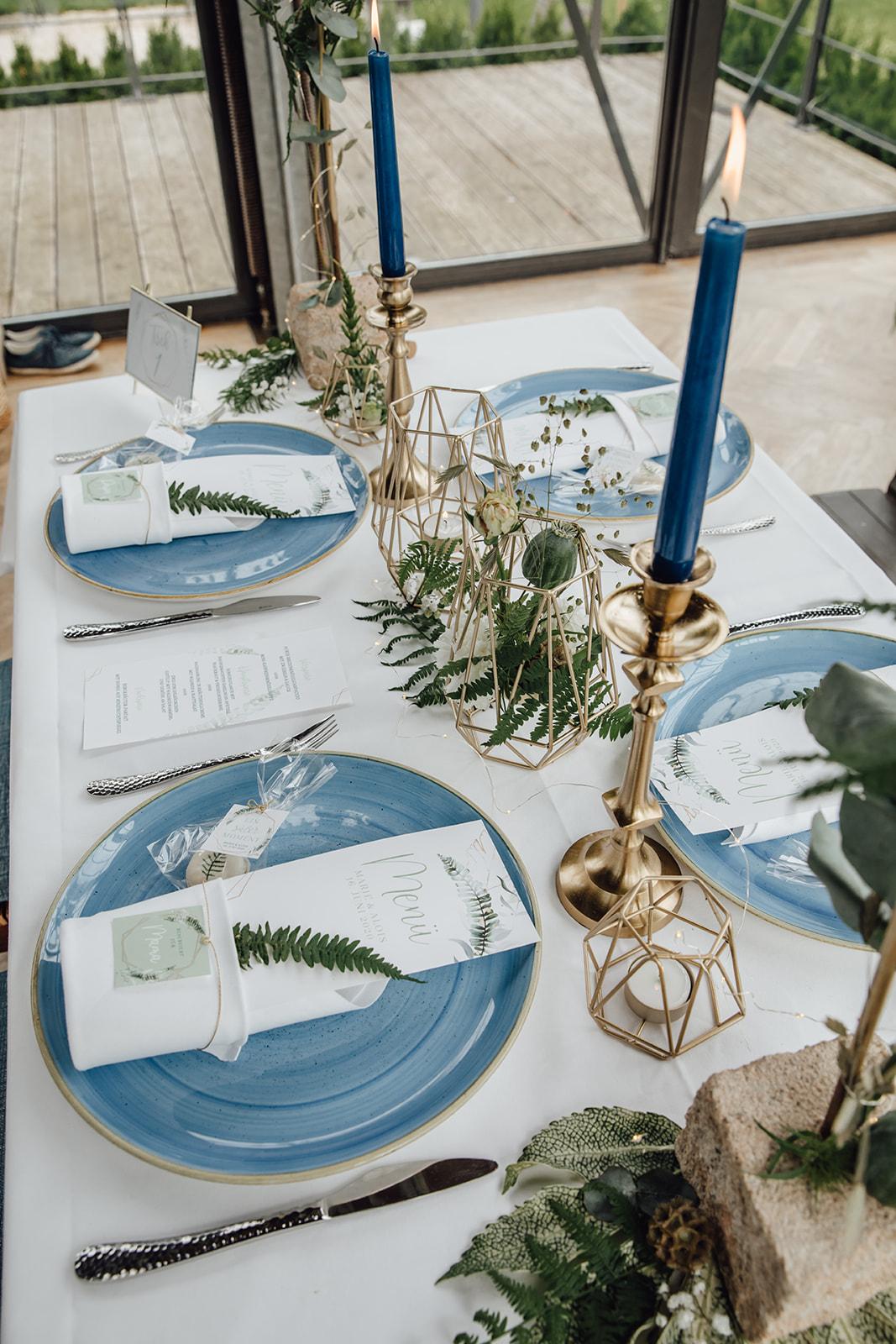 HeimArt Design Papeterie Chiemsee Hochzeit Greenery Wedding Tischdekoration Brauttisch